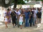 Corpo de jovem sequestrado e morto é enterrado no Rio