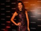 De renda, Fernanda Paes Leme vai a evento com outras famosas