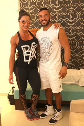 Belo e Gracyanne Barbosa fazem tratamento estético (Foto: Thiago Duran/AgNews)