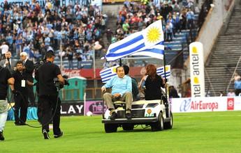 Com bela festa para Ghiggia, Uruguai empata com a Jordânia e se garante