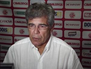 Marconi Barretto, proprietário do Estádio Barretão (Foto: Tiago Menezes)