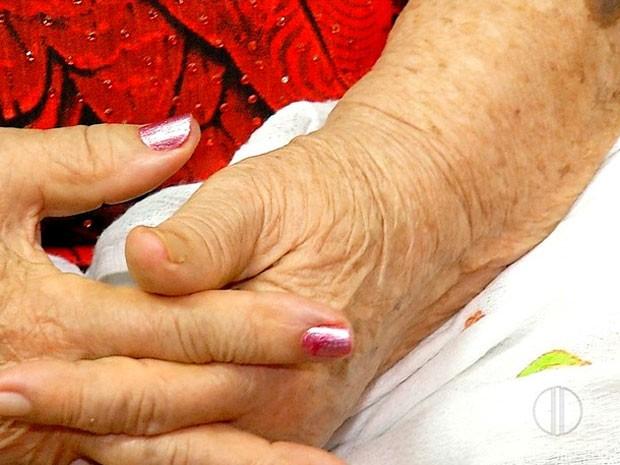 Idosa de 87 anos foi vítima de assalto na noite desta quinta-feira (7) na Zona Norte (Foto: Reprodução/Inter TV Cabugi)