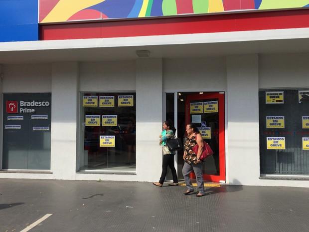 Bancários de Roraima entraram em greve nesta quinta-feira (8) (Foto: Inaê Brandão/G1 RR)