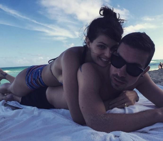 Isabelli e Di Ferrero oficializam união em ilha paradisíaca (Foto: Arquivo Pessoal)