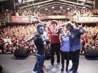 Champignon lamentou morte de Chorão em último show: 'É difícil'