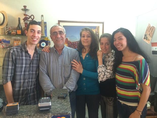 Família vinda da Síria abre restaurante em Campinas, SP (Foto: Priscilla Geremias/ G1)