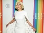Lady Gaga quebra look 'básico' com maquiagem com brilhos