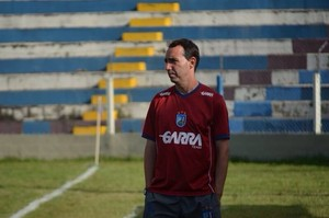 Técnico do Vitória-PE, Maurício Salgado  (Foto: Hayane Sabrina)