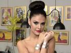 Com look de R$30 mil, Paloma Bernardi diz: 'Hoje é dia de Rainha'