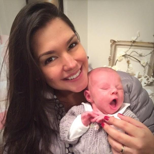 Thaís Fersoza e Melinda (Foto: Reprodução/Instagram)