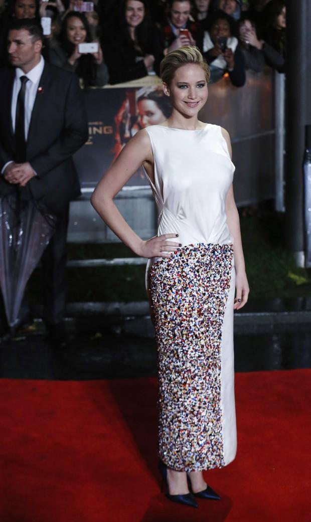 """Jennifer Lawrence na première de """"Jogos vorazes - Em chamas"""", em Londres (Foto: Reuters)"""