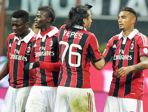 jogadores gol Milan (Foto: EFE)