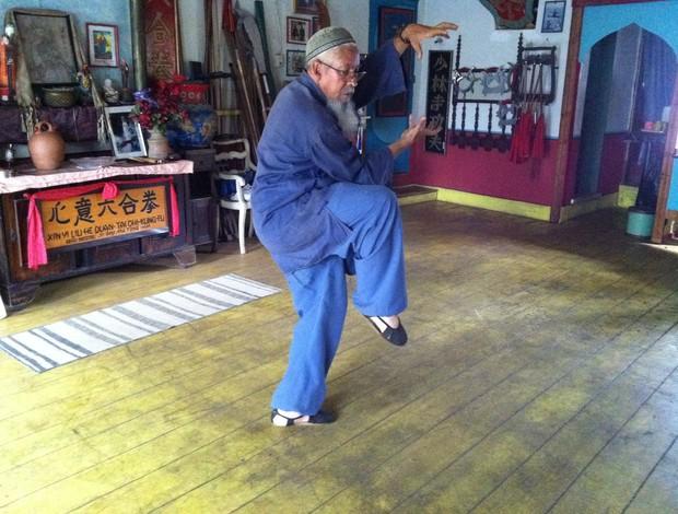 Mestre Ma Tong Hua é responsável por difundir o kung fu tradicional em Uberaba (Foto: Alex Rocha)
