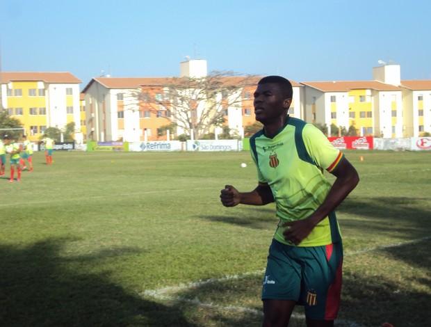 Célio Codó foi um dos atletas que mais sofreram com lesão muscular (Foto: Afonso Diniz/Globoesporte.com)