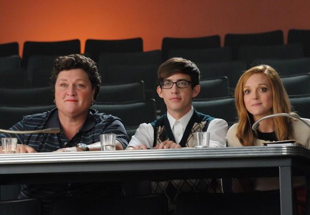 Glee - Beiste, Artie e Emma ficam em dúvida entre Rachel e Mercedes (Foto: Divulgação / Twentieth Century Fox)