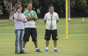 Aron Dresch, presidente, Hugo Alcântara, gerente de futebol, Eduardo Henrique, auxiliar, Cuiabá (Foto: Assessoria/Cuiabá Esporte Clube)