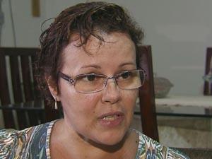 Filha da vítima fala sobre a dengue (Foto: Reprodução/TV Tribuna)