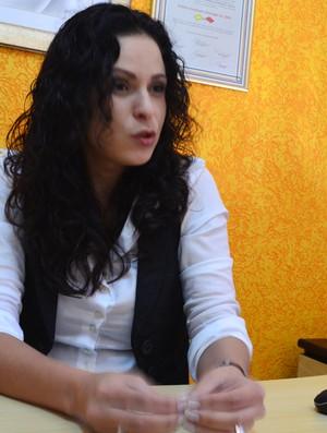 Ana Paula Oliveira atua como comentarista e apresentadora em uma TV de Minas Gerais (Foto: Guto Marchiori / Globoesporte.com)