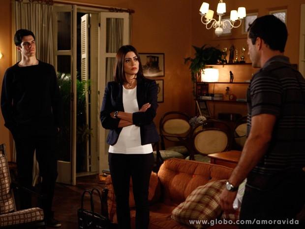 Félix se faz de amigo e sugere que Bruno refaça DNA (Foto: Amor à Vida / TV Globo)