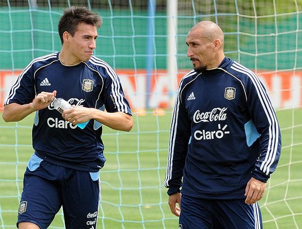 Guinazu no treino da Argentina (Foto: EFE)