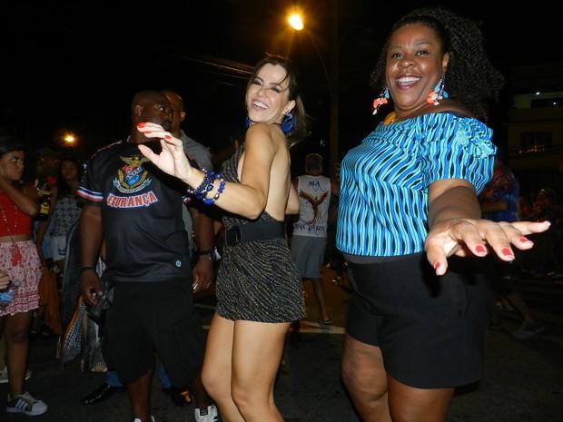 Tânia Oliveira e Cacau Protásio em ensaio de rua da União da Ilha no Rio (Foto: Divulgação)