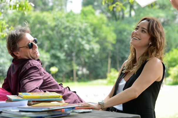 Plínio (Herson Capri) é pai de Malu (Fernanda Vasconcellos) em Sangue Bom, novela da Glob das 7 que estreia dia 29 (Foto: Zé Paulo Cardeal/Globo)