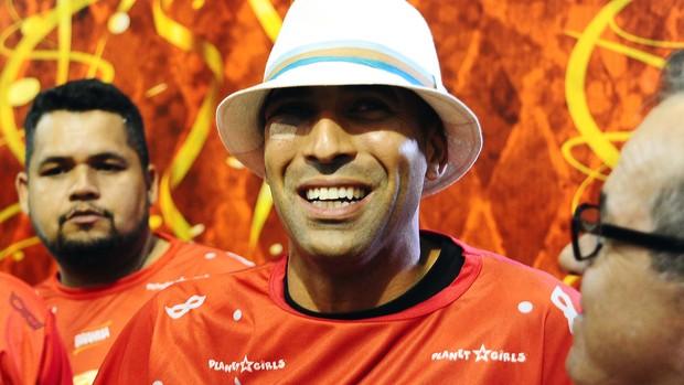 Emerson no carnaval (Foto: Marcos Ribolli / Globoesporte.com)