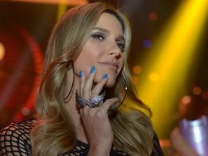0dc322a89f Um fetiche rock n  roll! Fernanda Lima vem com tudo para apresentar ...