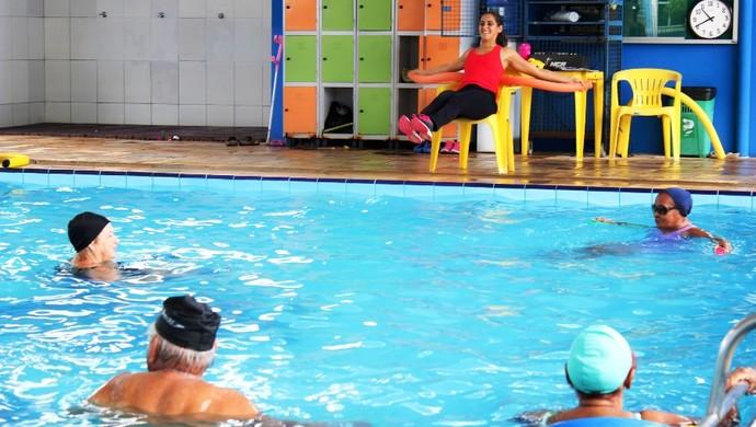 Idosos fazem hidroginástica em Porto Velho (RO) (Foto: Keila Alves)