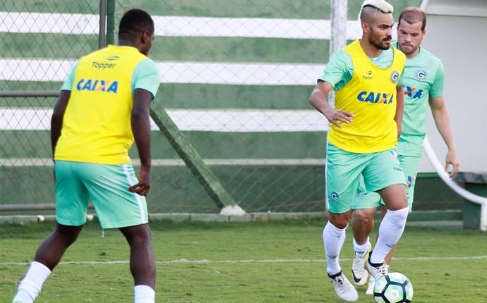 Tony, lateral do Goiás (Foto: Rosiron Rodrigues/Goiás E.C.)