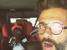 Bruno Gagliasso faz graça e posa com a filha usando tampão no olho