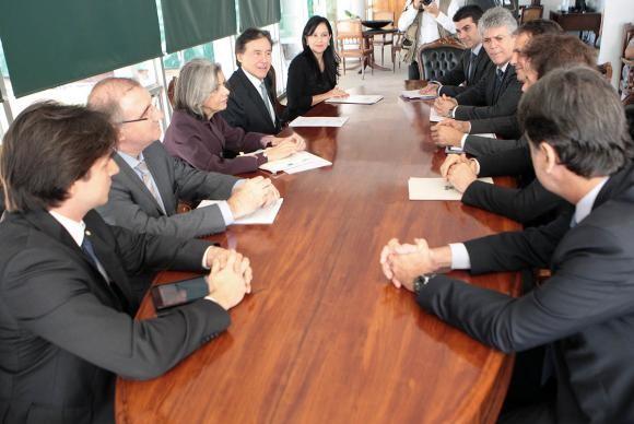 Ministra Cármen Lúcia recebe em audiência autoridades para tratar de obras da transposição do São Francisco  (Foto: Carlos Moura/STF/Divulgação)