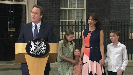 No Reino Unido, Cameron passa a chefia do governo para Theresa May