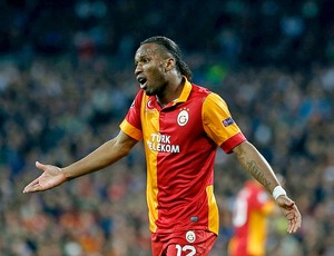 Drogba jogo Real Madrid Galatasaray (Foto: Reuters)