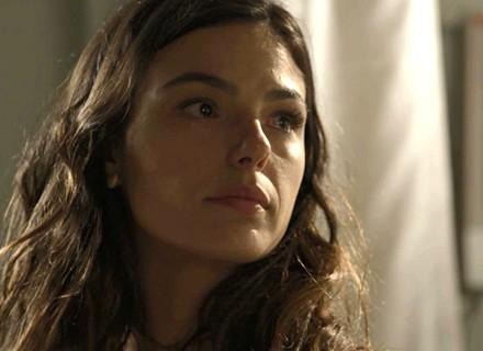 Ritinha visita Zeca no hospital e é enquadrada pela polícia