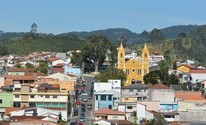 Comerciantes de Salesópolis modernizam fiado para evitar calote (Vitor Geron/GE)