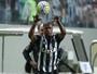 Esquema e boas atuações de reservas criam dúvida para Marcelo nas laterais