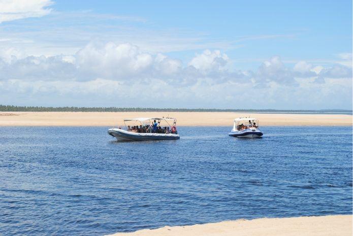 Visitantes podem optar por chegar a Boipeba através de embarcações (Foto: Gabriel Carvalho/Bahiatursa)