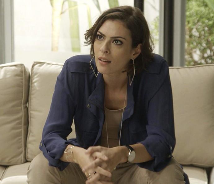Adriana fica surpresa com o pedido do publicitário (Foto: TV Globo)