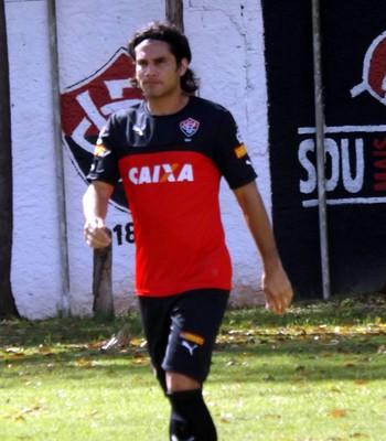 Atacante paraguaio Guillermo Beltrán durante treinamento do Vitória (Foto: Divulgação)