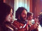 Isis Valverde, Caco Ciocler e Deborah Secco: eles não largam o celular!
