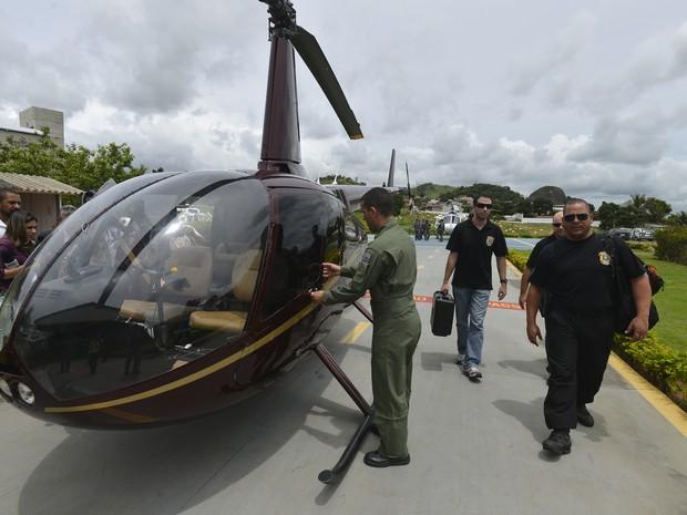 Helicóptero da família Perrella foi apreendido no Espírito Santo com 455 kg de droga. (Foto: Bernardo Coutinho/ Jornal A Gazeta)