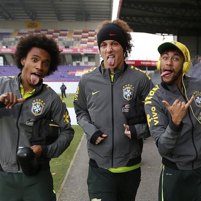 William, David Luiz e Neymar no treino da seleção (Foto: Reprodução/ instagram)
