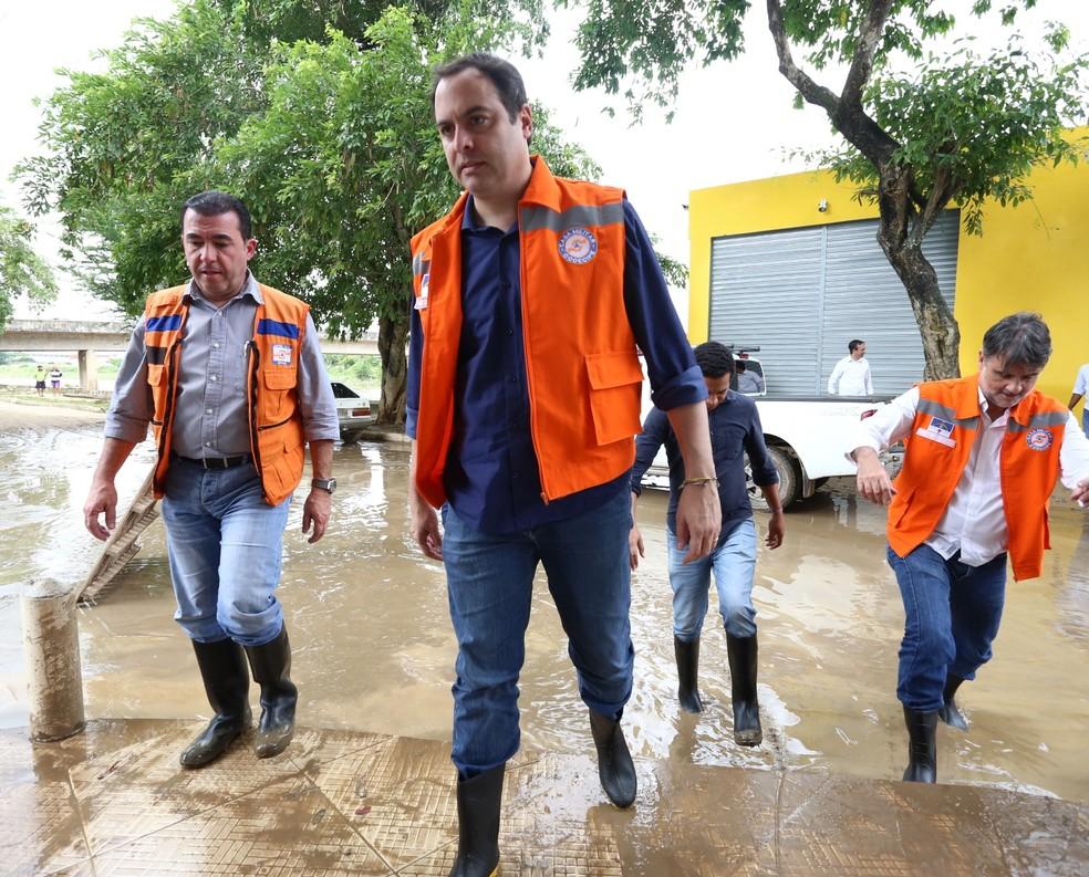 Paulo Câmara visitou cidades da Zona da Mata Sul (Foto: Aluísio Moreira/Divulgação)
