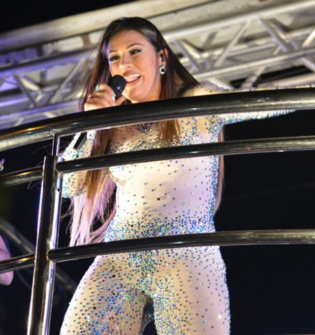 Simone: look sensual no Fortal (Foto: AgNews / Felipe Souto Maior)