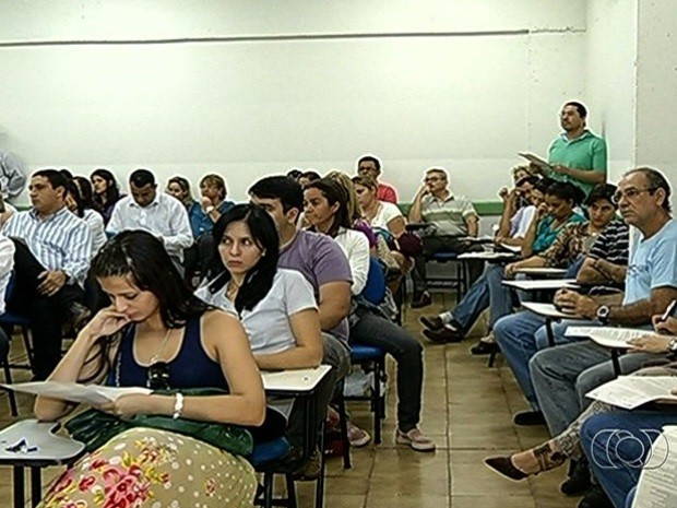 Candidatos fazerm prova de vestibular de medicina em Rio Verde, Goiás (Foto: Reprodução/TV Anhanguera)