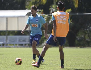Thiago Carvalho; Cruzeiro; Toca da Raposa II; treino (Foto: Washington Alves / Vipcomm)