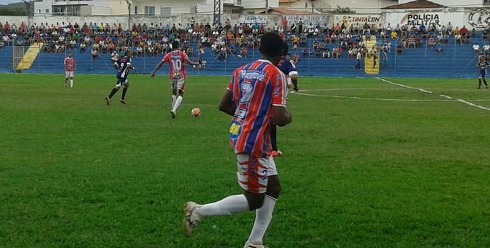Cap saiu na frente mas permitiu o empate (Foto: Cida Santana/GE)