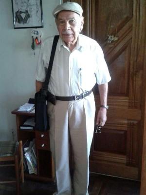 Luiz Alberto Ibarra, aos 85 anos, preparado para o 1° dia de aula de direito na Fadergs, em Porto Alegre (Foto: Arquivo pessoal)