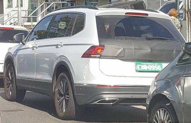 Novo Volkswagen Tiguan Allspace é flagrado em testes no Brasil (Foto: Victor Caputo Federicci)